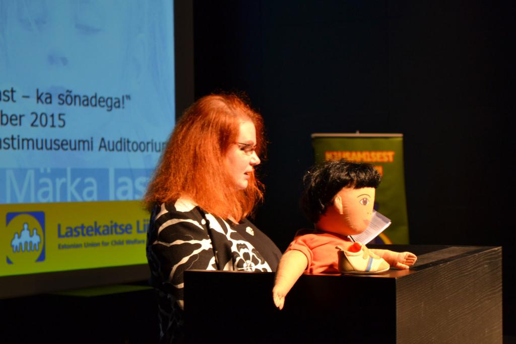 Loone Ots tutvustab Uuringu tulemusi Lastekaitse Liidu aastakonverentsil